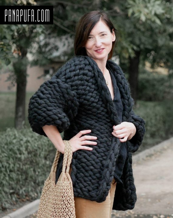 chunky-knit-oversize-merino-black-cardigan