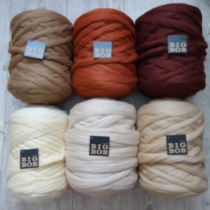 whole-sale-giant-bobbins-of-super-chunky -merino -BigBob-yarn-for-arm-knitting-in-earth-colors