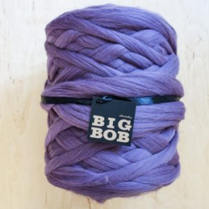 super-giant-chunky-yarn-merino-wool-roving-arm-knitting-DIY-in-lavender-purple-color