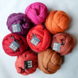 super-giant-chunky-yarn-merino-wool-roving-balls-in-red-color