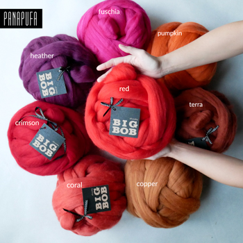 super-giant-chunky-merino-yarn-roving-for-armknitting-DIY-in-red-color