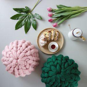 super-chunky-merino-decorative-knit-pillow-panapufa-scandinavian-home-decor