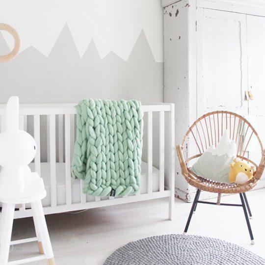 Panapufa-chunky-knit-baby-blanket