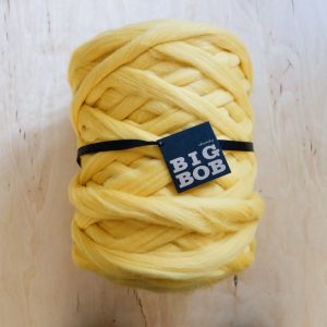 super-chunky-merino-yarn-extreme-arm-knitting-DIY-yellow-luminating-pantone-color-trends-2021