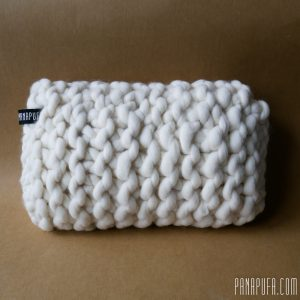 chunky-knit-merino-decorative-pillow-cuchion-panapufa-scandinavian-style-hygge-boho-interior-design-trends-2021