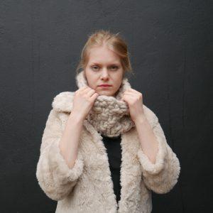 chunky-knit-merino-infinity-cowl-scarf-panapufa-luxurious-fashion-trends-2021