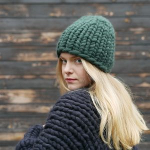 bottle-green-chunky-knit-merino-beanie-cardigan-panapufa-luxurious-fashion-trends-2021