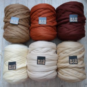 super-chunky-merino-yarn-extreme-arm-knitting-DIY-52