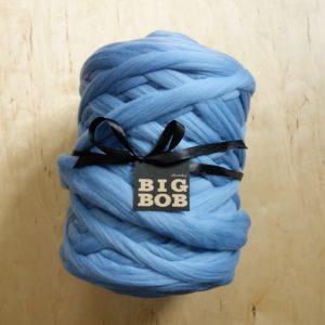 blue-super-chunky-merino-yarn-extreme-arm-knitting-DIY
