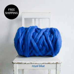 super-giant-chunky-merino-wool-roving-in-royal-blue-color