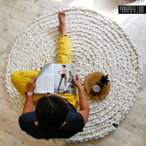 white-round-chunky-knit-felted-wool-kids-rug-for-nursery-panapufa
