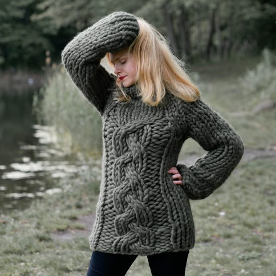 chunky-cable-knit-merino-sweater-jumper-panapufa-luxurious-fashion-trends-2021