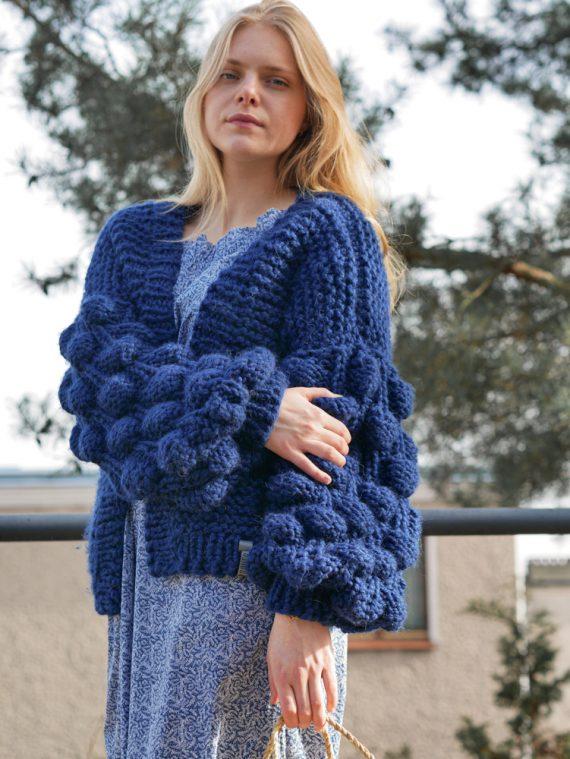 chunky-knit-alpaca-cardigan-panapufa-luxurious-fashion-trends-navy-blue-color