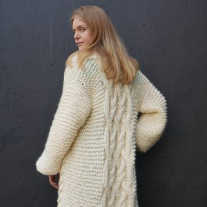 chunky-knit-long-alpaca-cardigan-panapufa-luxurious-wedding-fashion-for-braid