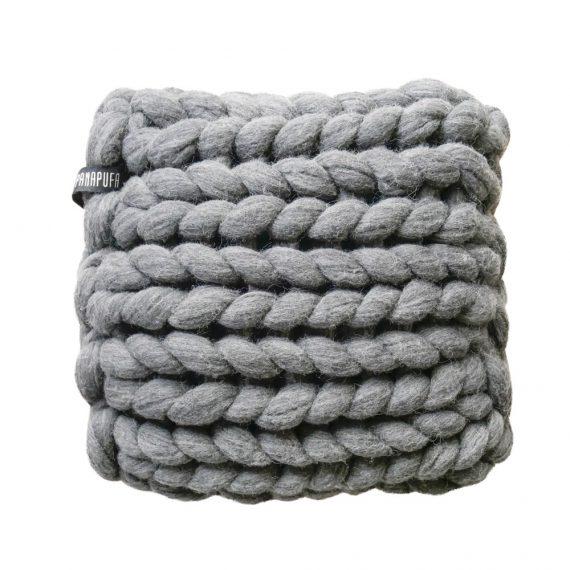 chunky-knit-merino-pillow-knitted-cushion-extreme-arm-knitting-scandinavian-style-panapufa