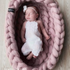 chunky-knit-organic-merino-natural-baby-nest-newborn-baby-shower-gift