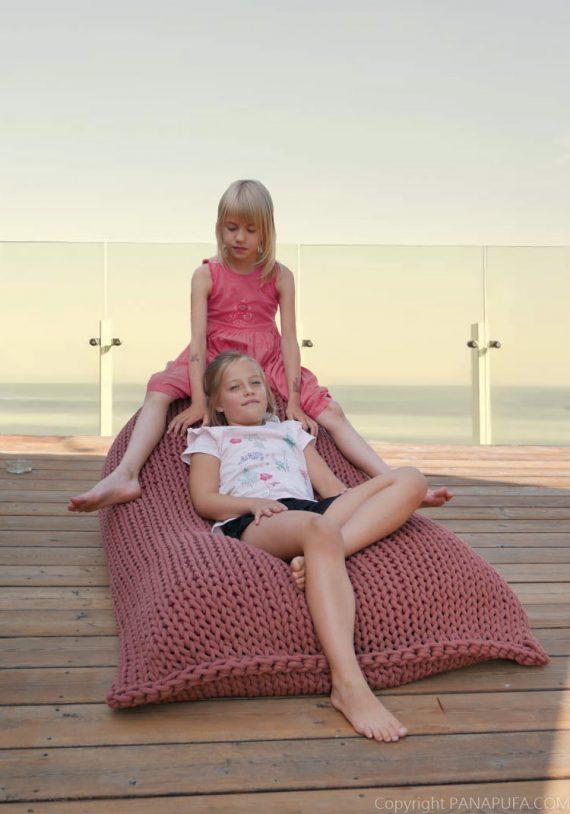 outdoor-chunky-knit-cotton-pouf-ottoman-vegan-bean-bag-pouffe-interior-design-terrace-garden-furniture-COLOR-TRENDS-2021